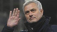 Trenér José Mourinho se s Tottenhamem loučí.