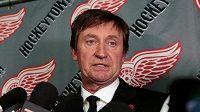 I legendární Wayne Gretzky smutní po odchodu Gordieho Howea.