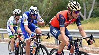 Český cyklista Ondřej Cink (vpravo) během 4. etapy závodu Tour Down Under v Austrálii, kdy se blýskl vítězstvím v horské prémii.