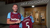 Vladimír Coufal už patří West Hamu.