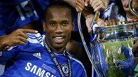 Didier Drogba s ušatým pohárem