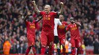 Obránce Liverpoolu Martin Škrtel slaví svou branku v utkání proti Manchesteru City.
