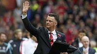 Manažer Louis van Gaal zdraví fanoušky Manchesteru United.