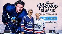 Jaromír Jágr a Ľubomír Višňovský v dresech pro akci Winter Classic.