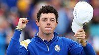 Rory McIlroy se raduje, Evropané potřetí za sebou vyhráli Ryder Cup.