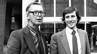 Peter Coe se svým synem Sebastianem, toho času nejrychlejším mužem planety na 800 a 1500 metrů a jednu míli (Moskva, 1980).
