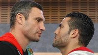 Úspěšného ukrajinského boxera Vitalije Klička (vlevo) čeká v Moskvě bitva s ambiciózním Němcem Manuelem Charrem o pás šampiona organizace WBC v těžké váze.