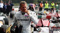Michael Schumacher opět usedne do kokpitu formule 1. S moderním Mercedesem projede historickou část okruhu Nürburgring Nordschleife.