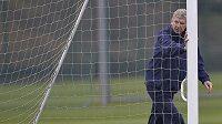 Arséne Wenger dotlačil anglický fotbal do nové éry.