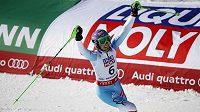 Šárka Strachová má v Beaver Creeku důvod k radosti, ve slalomu skončila třetí.