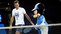 Roger Federer a Mickey Mouse.