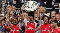 Jedna z mála radostí pro fanoušky Arsenalu v posledních letech. Zisk Superpoháru.