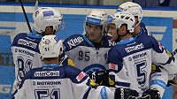 Hokejisté Plzně se radují z gólu proti Brnu v zápase 20. kola Tipsport extraligy.