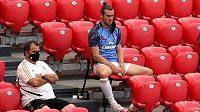 """Hvězdný Gareth Bale a jeho """"nadšení"""" na místech pro náhradníky v Realu Madrid."""