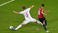 Bombarďák Patrik Schick dává gól Dánsku ve čtvrtfinále EURO.