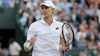 Jihoafrický tenista Kevin Anderson je na grandslamovém Wimbledonu stále blízko senzaci.