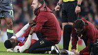 Po operaci zlomeného kotníku je pravděpodobné, že reprezentační útočník Danny Welbeck z Arsenalu přišel o zbytek fotbalové sezony.
