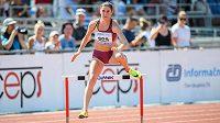 Zuzana Hejnová v běhu na 400 m překážek během mistrovství republiky v Plzni.