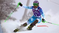 Česká lyžařka Šárka Strachová při slalomu ve finském Levi.