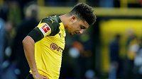 Anglický záložník Jadon Sancho zpytuje svědomí poté, co Borrusia Dortmund ztratila vedení o tři branky s Hoffenhaimem a remizovala 3:3. Ilustrační foto