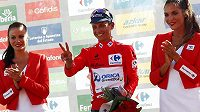 Esteban Chaves, kolumbijský cyklista stáje Orica GreenEdge, se po triumfu v 6. etapě znovu oblékl do červeného dresu lídra Vuelty.