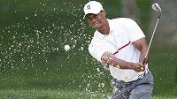 Americký golfista Tiger Woods zahrál na turnaji Memorial v americkém Ohiu nejhorší kolo v profesionální kariéře.