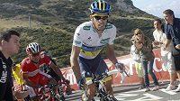 Španělský cyklista Alberto Contador z týmu Saxo Bank se dostal do čela Vuelty.