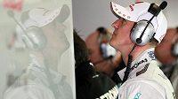 Michael Schumacher před tréninkem na VC Číny.
