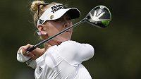 Golfistka Jessica Kordová v akci.