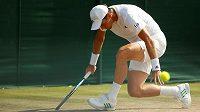 Tomáš Berdych během druhého kola Wimbledonu.