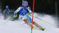 Šárka Strachová během slalomu v rakouském Semmeringu.