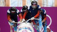 Ruský čtyřbob, jehož členem byl Dmitrij Truněnkov, na olympiádě v Soči.