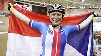Česká dráhová cyklistka Jarmila Machačová se raduje z titulu mistryně světa.