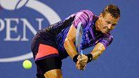 Tomáš Berdych v zápase s Richardem Gasquetem v osmifinále US Open