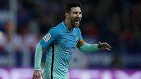 Barcelonský Lionel Messi se raduje po gólu proti Atlétiku Madrid.