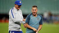 Na odchodu! Manažer Chelsea Maurizio Sarri i hvězdný Belgičan Eden Hazard jsou před finále Evropské ligy v dobré náladě. Možná je to jejich poslední zápas v londýnském klubu.