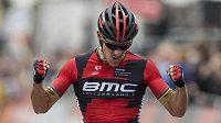 Belgický cyklista Philip Gilbert se raduje z vítězství v závodu Amstel Gold Race.