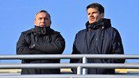 Richard Jukl (vlevo) se sportovním manažerem Hradce Jiřím Sabou.