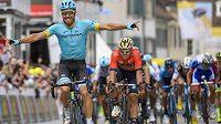 Španělský cyklista Omar Fraile vyhrál v hromadném spurtu první etapu závodu Kolem Romandie
