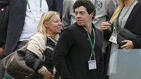 Severoirský golfista Rory McIlroy zavítal na tenisový Wimbledon, kde držel palce své přítelkyni Dánce Caroline Wozniacké.