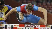 Překážkář Sergej Šubenkov (na snímku při MS v Pekingu) jedna z hvězd ruské atletiky, které mohou přijít o účast na OH v Riu de Janeiro.