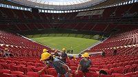 Národní stadión s kapacitou 70 000 diváků v hlavním městě Brasílii je nachystán.