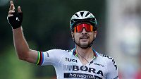 Peter Sagan při triumfu ve třetí etapě Tour de France.