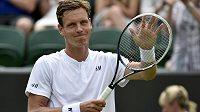 Český tenista Tomáš Berdych mohl být po svém prvním duelu ve Wimbledonu spokojený.