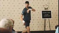 Novak Djokovič se představil v netradiční roli