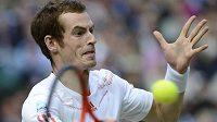 Britští tenisté nesmějí na slavnostní zahájení.