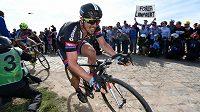 John Degenkolb v dresu týmu Giant při posledním ročníku závodu Paříž - Roubaix.