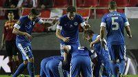 Fotbalisté Liberece se radují z vyrovnávacího gólu proti Seville.