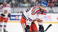 Český útočník Robin Hanzl během utkání Euro Hockey Challenge se Švýcary