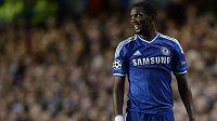 Útočník londýnské Chelsea Samuel Eto´o v utkání Ligy mistrů proti Basileji.